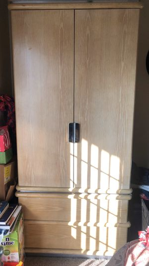 Dresser & nightstand for Sale in Fontana, CA