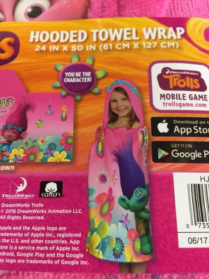 Hooded towel wrap. Brand new Trolls. for Sale in Geneva, FL