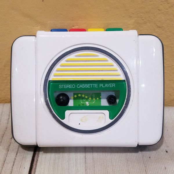 @CHV VINTAGE PLAYSKOOL KIDS PORTABLE CASSETTE TAPE PLAYER WITH FUN-FWD BUTTON . #58