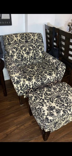 Couch accent chair and foot rest black white patter for Sale in Miami, FL