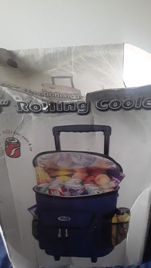 """16"""" Rolling Cooler for Sale in Cleveland, OH"""