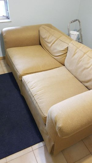 Baker couch for Sale in Hialeah, FL