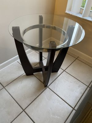 Coffee table and end table for Sale in FL, US