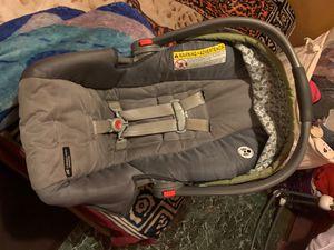 Baby graco car seat for Sale in Phoenix, AZ