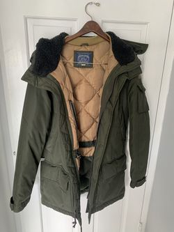 Men's J Crew down parka winter jacket- army green. like new! for Sale in Miami Beach,  FL