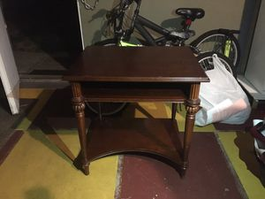 End table for Sale in Pittsburg, CA