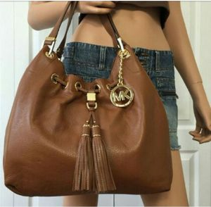 Authentic Michael Kors large tote Camden bag paid over 400 for Sale in Virginia Beach, VA
