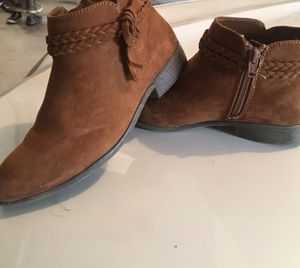 Boots size 5 for Sale in Redmond, WA