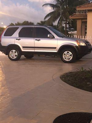 Honda CRV año 2003 camina bien bien aire trasmicion y motor 4 gomas nueva titulo limpio más información {contact info removed} millas 149123 for Sale in Miami, FL