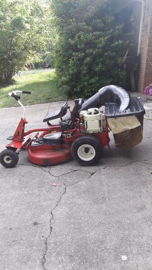 Vintage snapper riding mower for Sale in Forest Park, GA