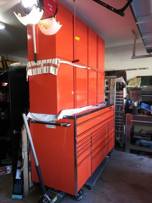 """Master series Snapon tool box 72""""x29"""" for Sale in Miami, FL"""