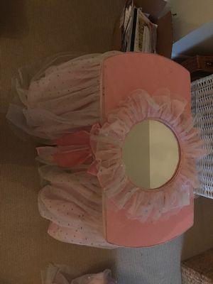 Princess dressing table for Sale in Dunwoody, GA