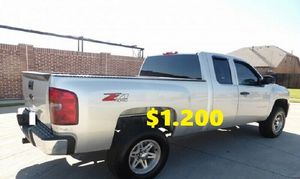 🔑🔑URGENT For sale 🔑🔑2011 Chevrolet Silverado🔑🔑 Truck is really clean 🔑Price$1.200🔑🔑 for Sale in Long Beach, CA