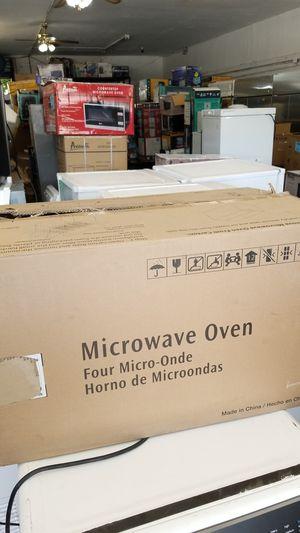 FRIGIDAIRE MICROWAVE WHITE for Sale in Miami, FL