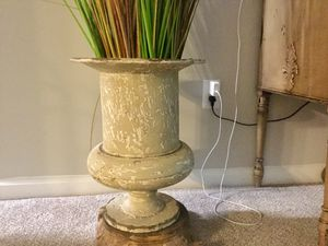 Outrageous Interiors Design antiqued Plant pot/Stand for Sale in Sandy Springs, GA