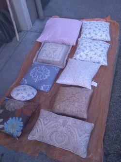 Pillows cushions blender for Sale in Portland,  OR