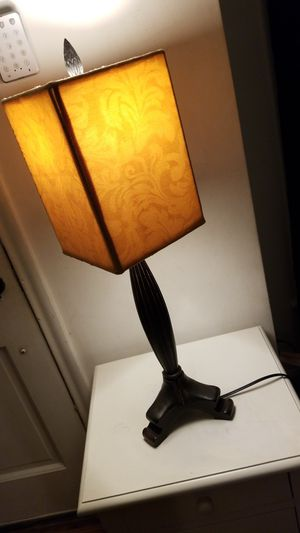 Stylish Table Lamp for Sale in Inkster, MI