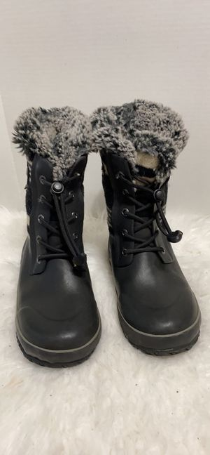 Bogs kids snow rain boots size 2 for Sale in Dearborn, MI