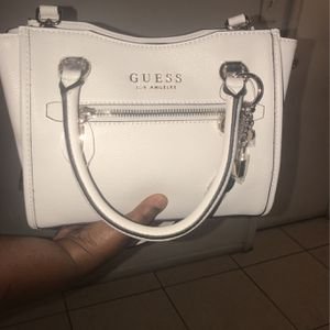 Guess Purse for Sale in Fort Lauderdale, FL