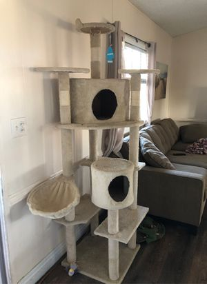 Casa para gato for Sale in Perris, CA