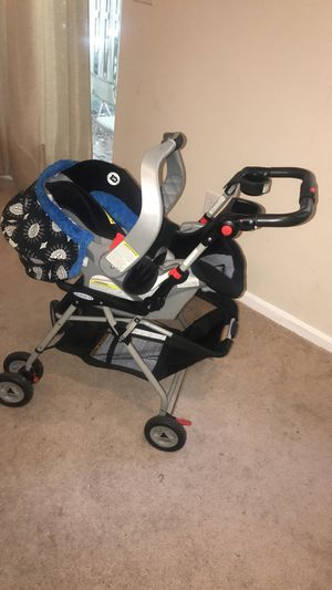 Baby car seat/ stroller for Sale in Silver Spring, MD