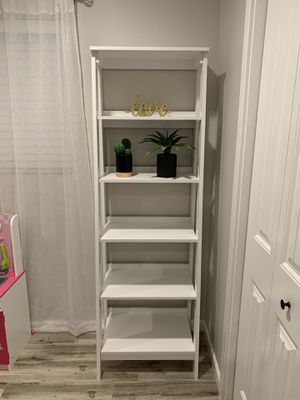 White 5 Shelf Bookcase for Sale in Phoenix, AZ