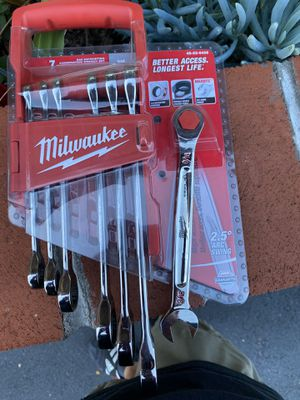 Milwaukee SAE Combination Ratcheting Wrench Mechanics Tool Set (7-Piece) New for Sale in San Diego, CA