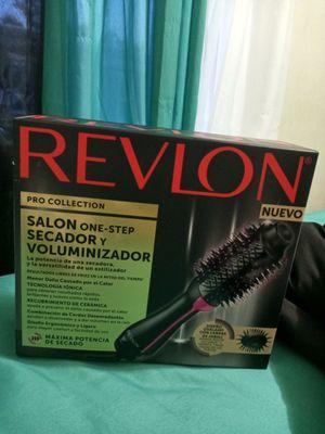 Revlon hair brush straighten for Sale in Philadelphia, PA