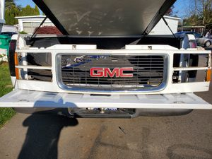 GMC GRILL for Sale in Gresham, OR