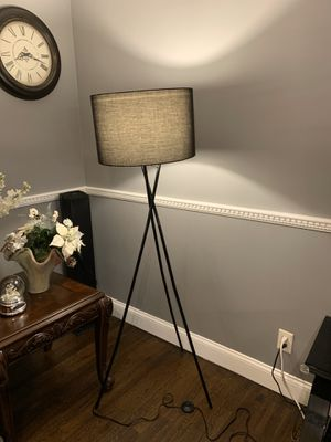 Floor lamp for Sale in Manalapan Township, NJ