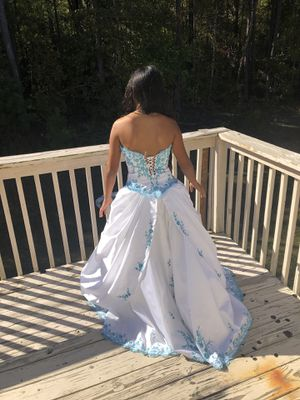 Quinceanera dress or prom dress. for Sale in Douglasville, GA