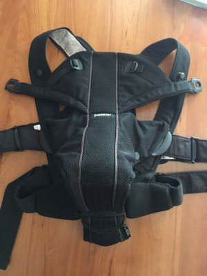 BABYBJORN Baby Carrier Miracle, mesh Black for Sale in Los Angeles, CA