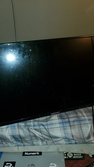 32 in element flat screen with remote for Sale in Canal Winchester, OH