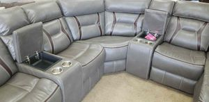Sectional recliner /floor model EHJ for Sale in Ontario, CA