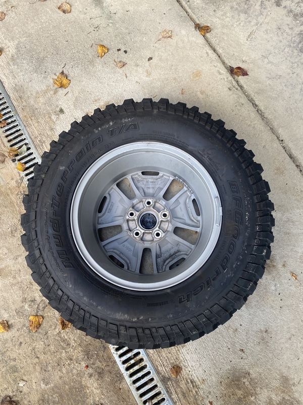 Never Road On Jeep JK Rubicon Wheel and BF Goodrich Tire 32x 17