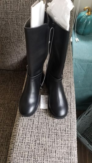 Girls Size 3 Tall Boots for Sale in Atlanta, GA
