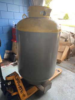 Large Freon cylinder for Sale in Davenport,  FL