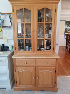 Maple China Cabinet for Sale in San Diego, CA