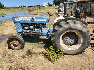 1950's FORD TRACTOR AND 7FT MOWER for Sale in Hughson, CA