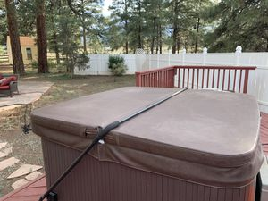 Almost new Hot tub Lid for Sale in Florence, AZ