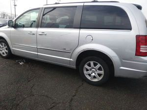 2010 Chrysler Town & Country Touring Minivan 4 doors Loaded 134 k mile for Sale in Manassas, VA