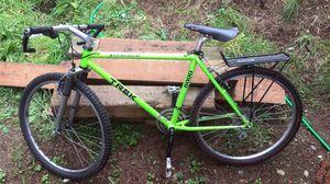 Trek 8000 aluminum men's mountain bike for Sale in Federal Way, WA