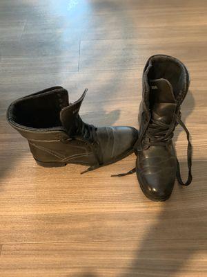 Black leather boots men's sz 9 for Sale in Princeton, NJ