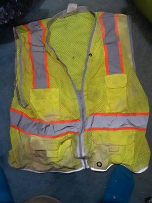 Ml kishigo safety vest 2 xl for Sale in Cleveland, OH
