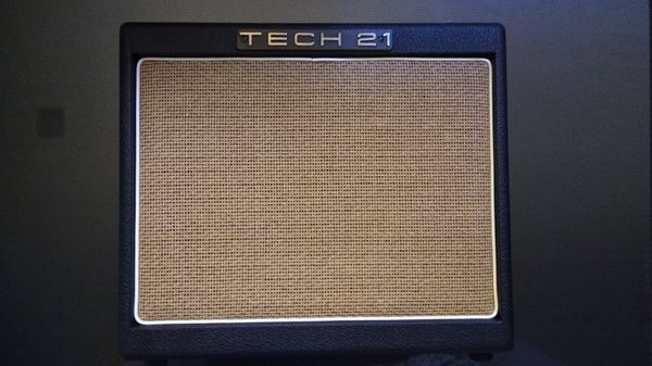 Tech 21 Trademark 30 Analog Solid State 1x10 Combo Amplifier USA
