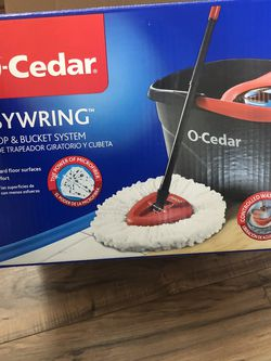 O-Cedar Easy Wring Spin Mop & Bucket System with 1 Extra Refills for Sale in Vancouver,  WA