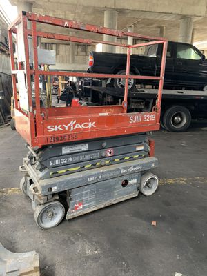 Sky jack 3219 lifts for sale! for Sale in Vernon, CA