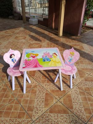 Princess little girl table for Sale in El Monte, CA