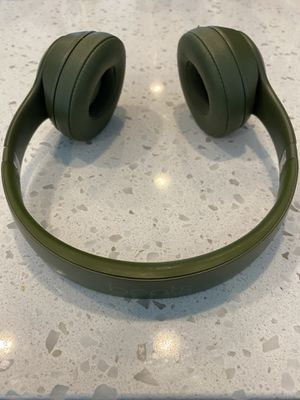 Beats Solo (Forest Green) for Sale in Brentwood, MD