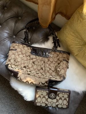 Bag and wallet for Sale in Las Vegas, NV